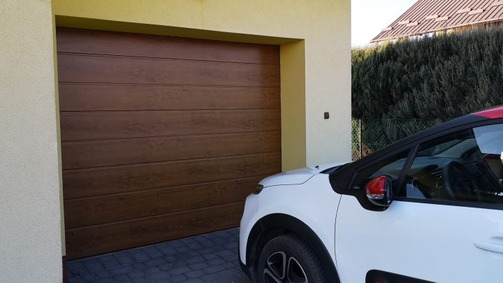 How to control garage door with phone