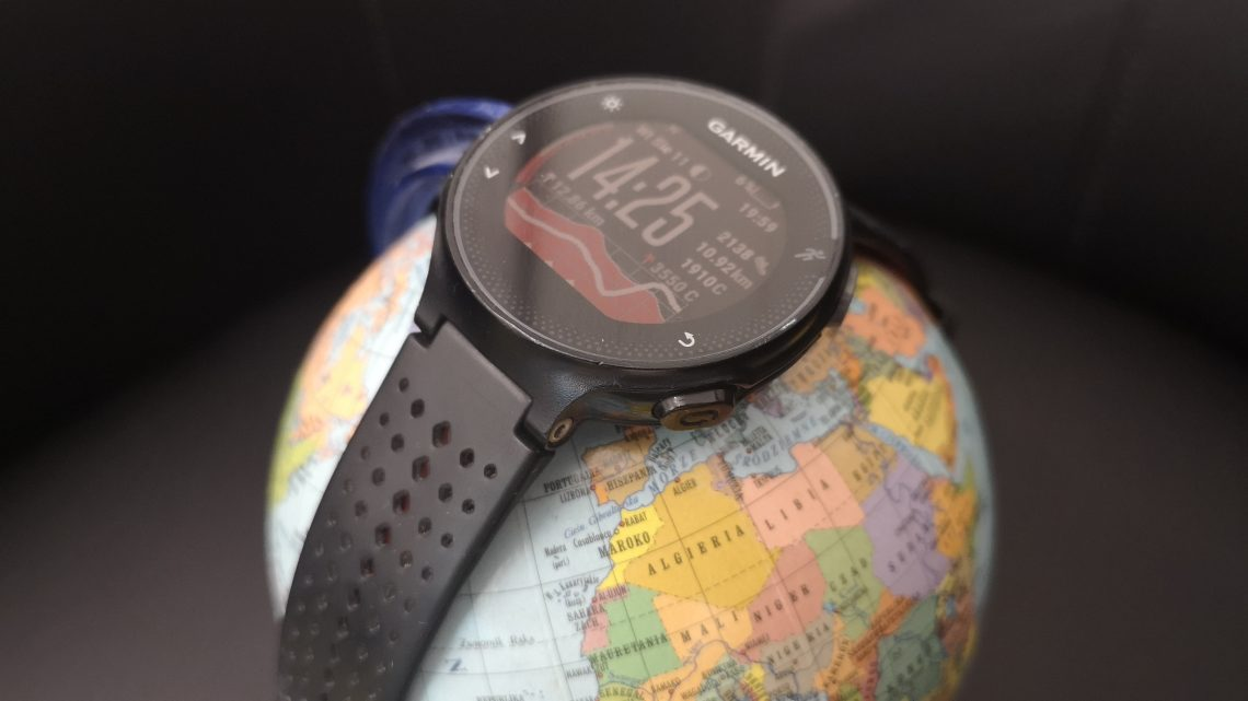 Smartphone and Smartwatches tracking - how to protect